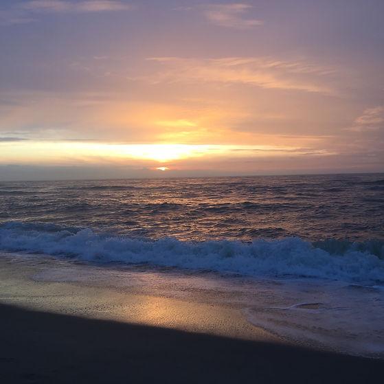 Sonnenuntergang über dem Meer als Cover für die Sound Healing Meditation Sylter Meer & Sanzula