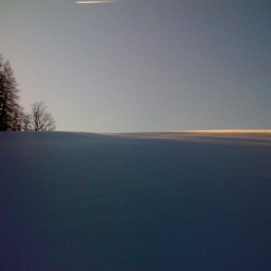 Eine weiße Winterlandschaft als Cover für die Klangmeditation Winterzauber