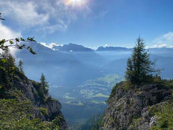 Blick von der Wanderung zum Kehlstein auf das Berchtesgadener Land