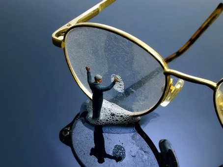How to wash your glasses in COVID times
