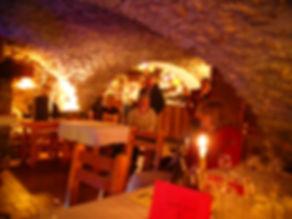"""Chambre d'hôtes l'Abeille Saint-Michel, albertville (Marthod), Savoie. Le restaurant Bar """"chez Fred"""" à Grand-Naves"""