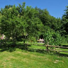 Bouleau guests enjoying garden at Le Mou