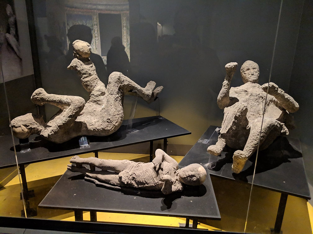 ancient roman ruins pompeii italy europe photograph history travel blog tips