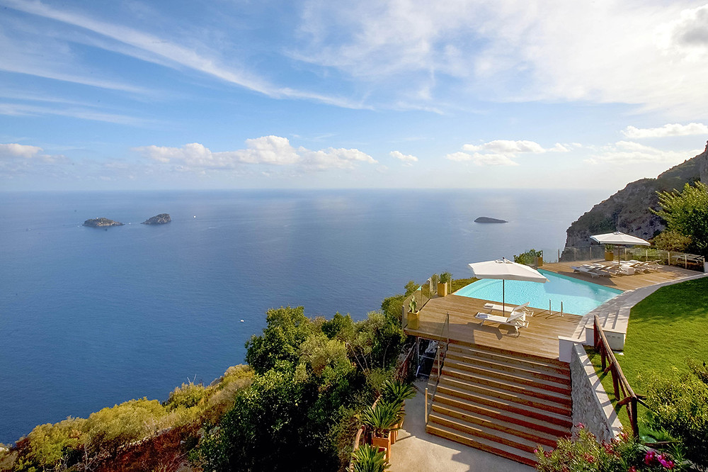 image borrowed from Luxury Retreats