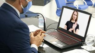 Inclusão: Balcão Virtual do TRT-PB tem serviço para atender deficientes auditivos