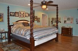 History_bedroom_bed