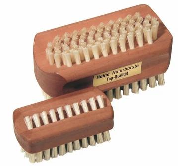 Brosse à ongles en bois de poirier Croll & Denecke (2 formats)