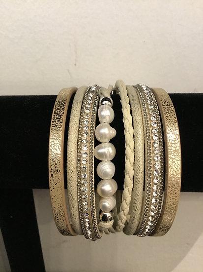 Neutral Fresh Water Pearl Magnetic Bracelet