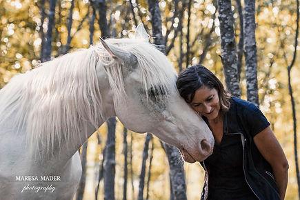 _MMD3751 Michaela with Asfaloth.jpg