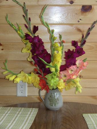 IMG_6222 gladiolas bouquet.jpg