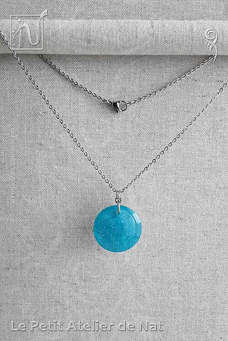 Collier « Paillettes » n°1 Bleu de l'eau, phosphorescent (Vue de face)