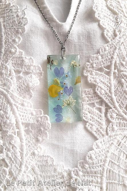 Collier « Fleurs des champs » n°1, luminescent (Vue de dessus, présentation 1)