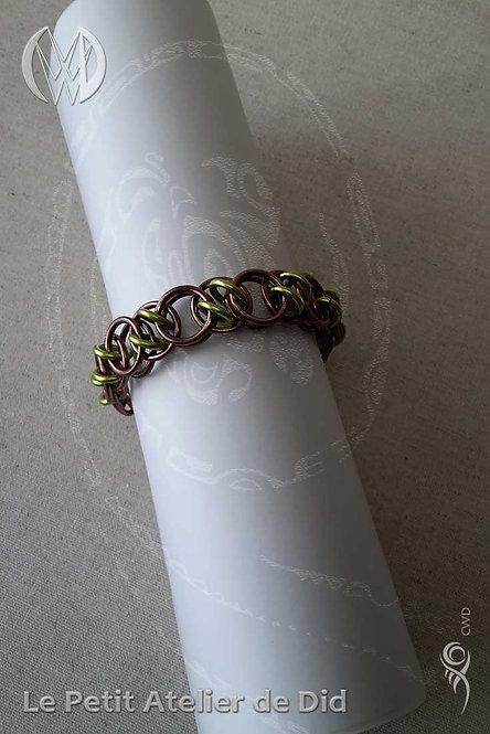 Bracelet « Chaîne d'anneaux » Pistache Chocolat (Vue de dessus)
