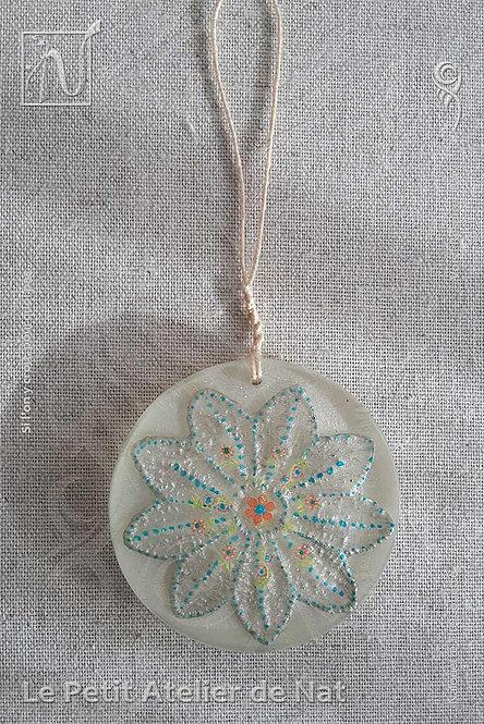 Décoration « Fleur de Noël » #1 - Décoration argentée, luminescente (Vue de dessus, devant)