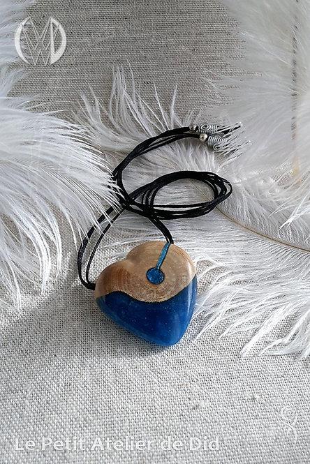 Pendentif « Coeur d'Océan » #1 - Collection « Océan » (Vue de côté)