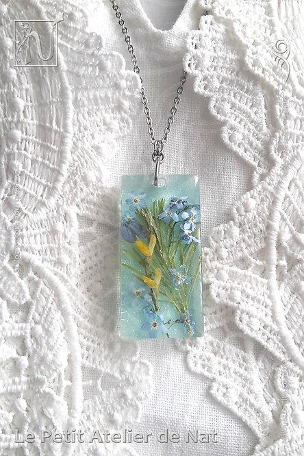 Collier « Fleurs des champs » n°2, luminescent (Vue de dessus, présentation 1)