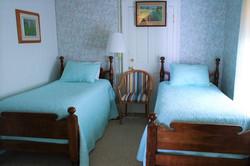 5 second bedroom beds