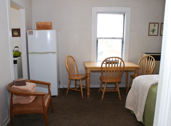 E main room and kitchen