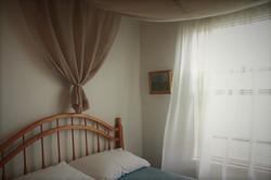 B bedroom detail
