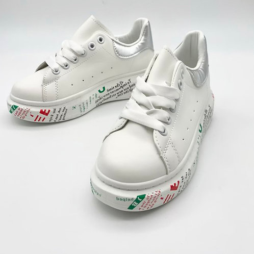 Sneaker mit bedruckter Sohle