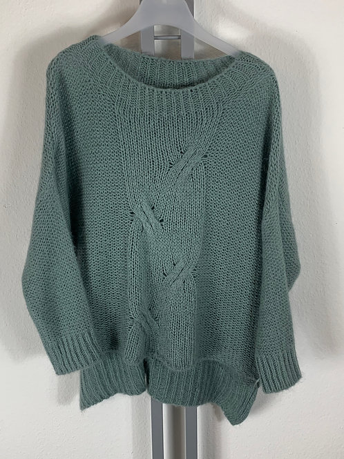 Warmer Pullover mit Zopfmuster