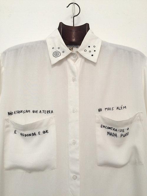 "Camisa Nadaísta ""Mais além"""
