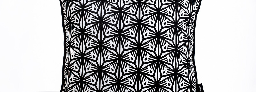 Primrose Charmz_Dandelion_50x50-min.jpg
