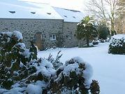 la cour de Guernevez sous la neige.jpg