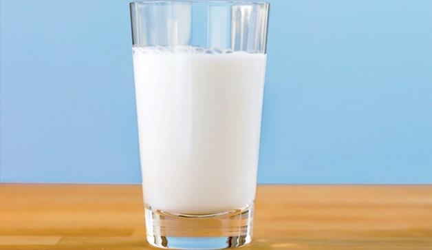 milk-glass-calcium-1.jpg