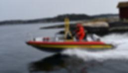 sjöräddningen på väg ut 1.jpg