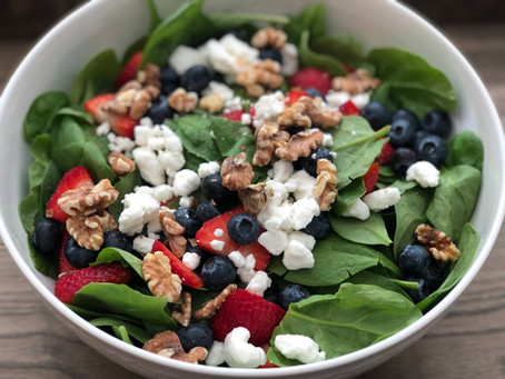 Spinach Salad with Berries and Walnuts