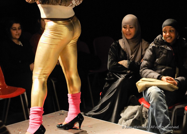 #061293  Student Fashion show.jpg