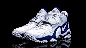 Nike homenageia a carreira de Barry Sanders em novo Air Zoom Turf Jet 97