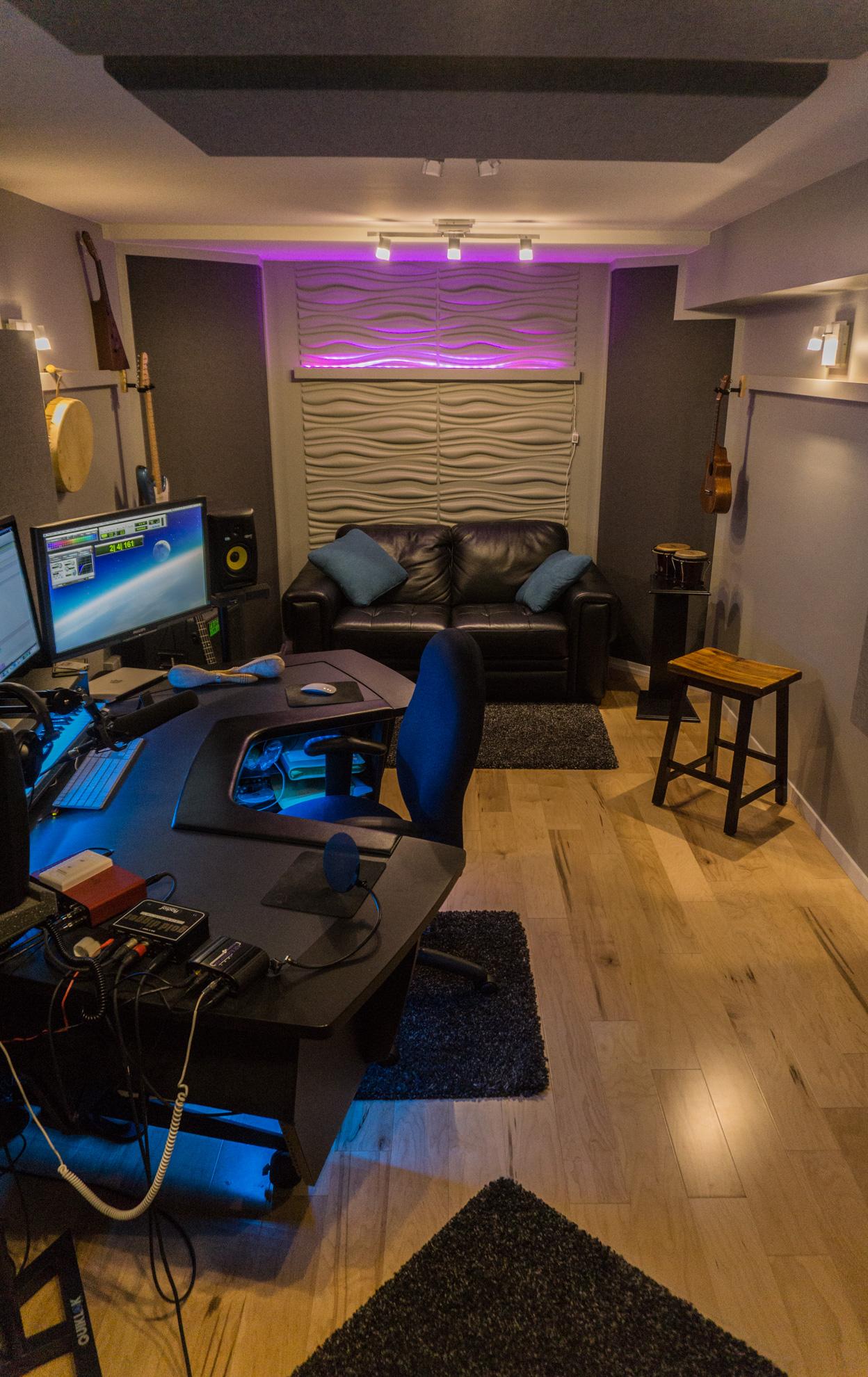 Studio lengthwise