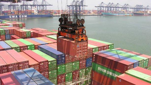contenedor envio transporte barco maritimo china