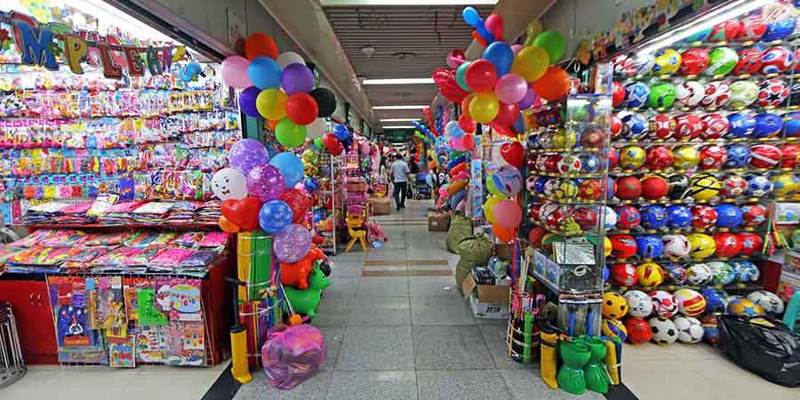 yiwu mercado mayorista china compra importar fiesta pasillo
