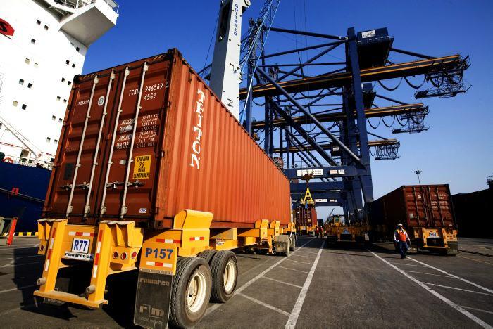 camiones contenedores transporte importacion exportacion colombia cartagena buenaventura