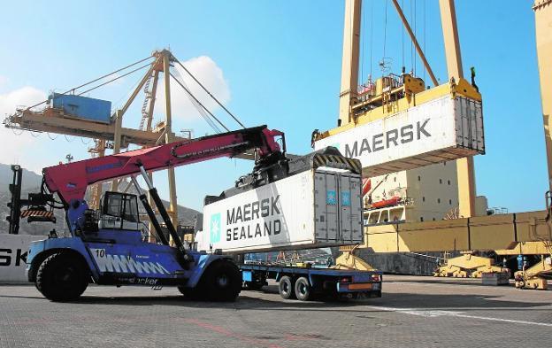 contenedor doce 12 metros costo puerto colombia cartagena bogota china shanghai transporte maritimo mar barco