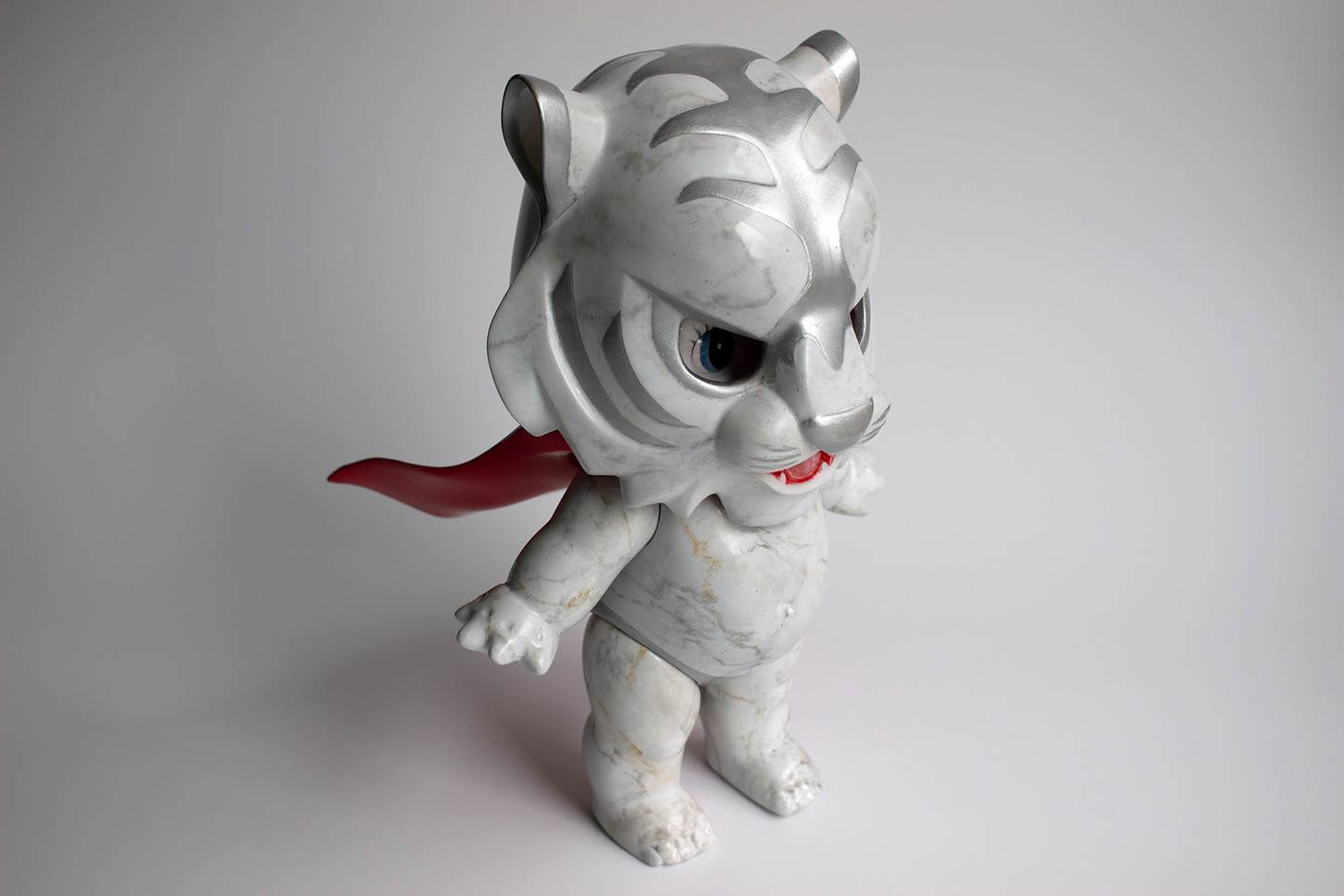 Desire to be a Hero [ White Tiger ]