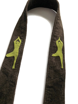 yoga mat strap with tree pose figure