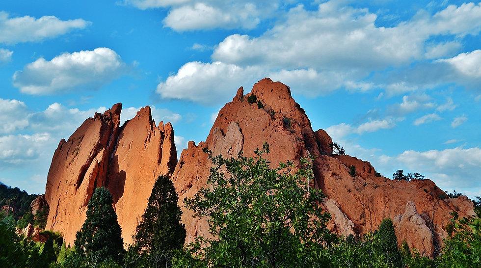 red-rocks-5220589_1920.jpg