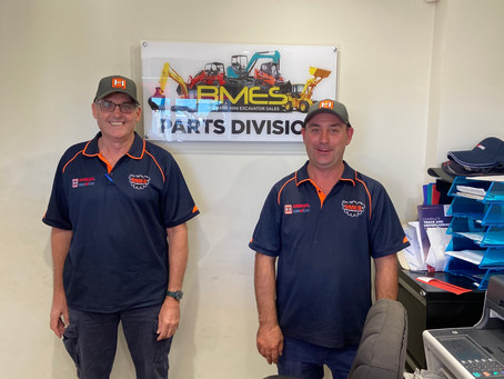 Behind any Great Wheel Loader Distributor, there's a Great Spare Parts Team!