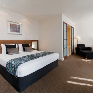 peppers-waymouth-hotel-deluxe-room2.jpg