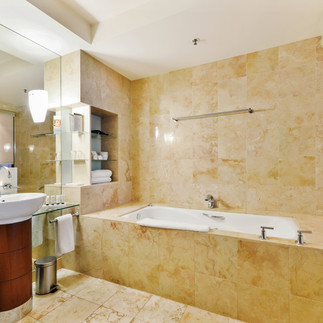 peppers-waymouth-hotel-deluxe-suite.jpg
