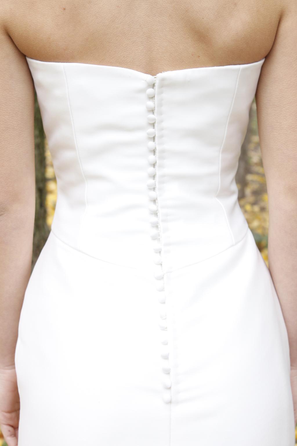 Espalda con botones vestido novia . masum karimi