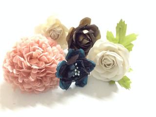 Flower Power y a hacer flores, faldas, bolsos...