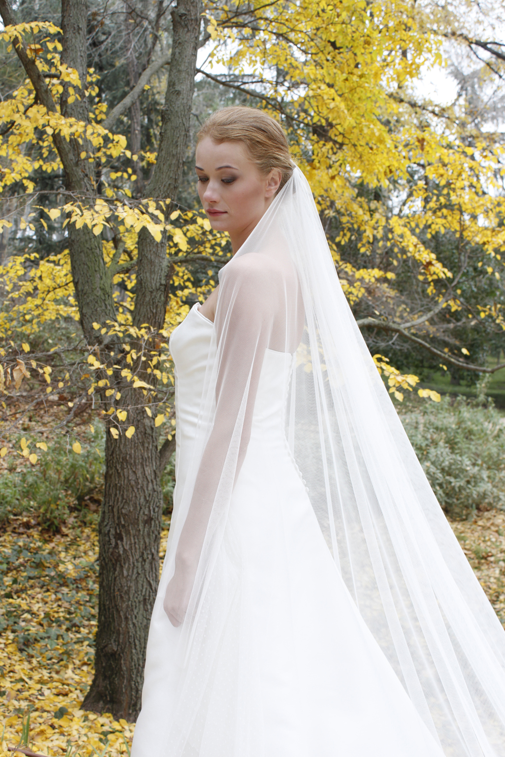 vestido de novia palabra de honor plume - masum karimi