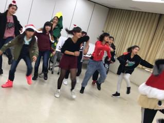 ク〜リスマスが今年もヤァテクル〜♪