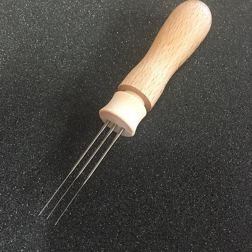 Wooden Felting Tool (holds upto 3 Needles)