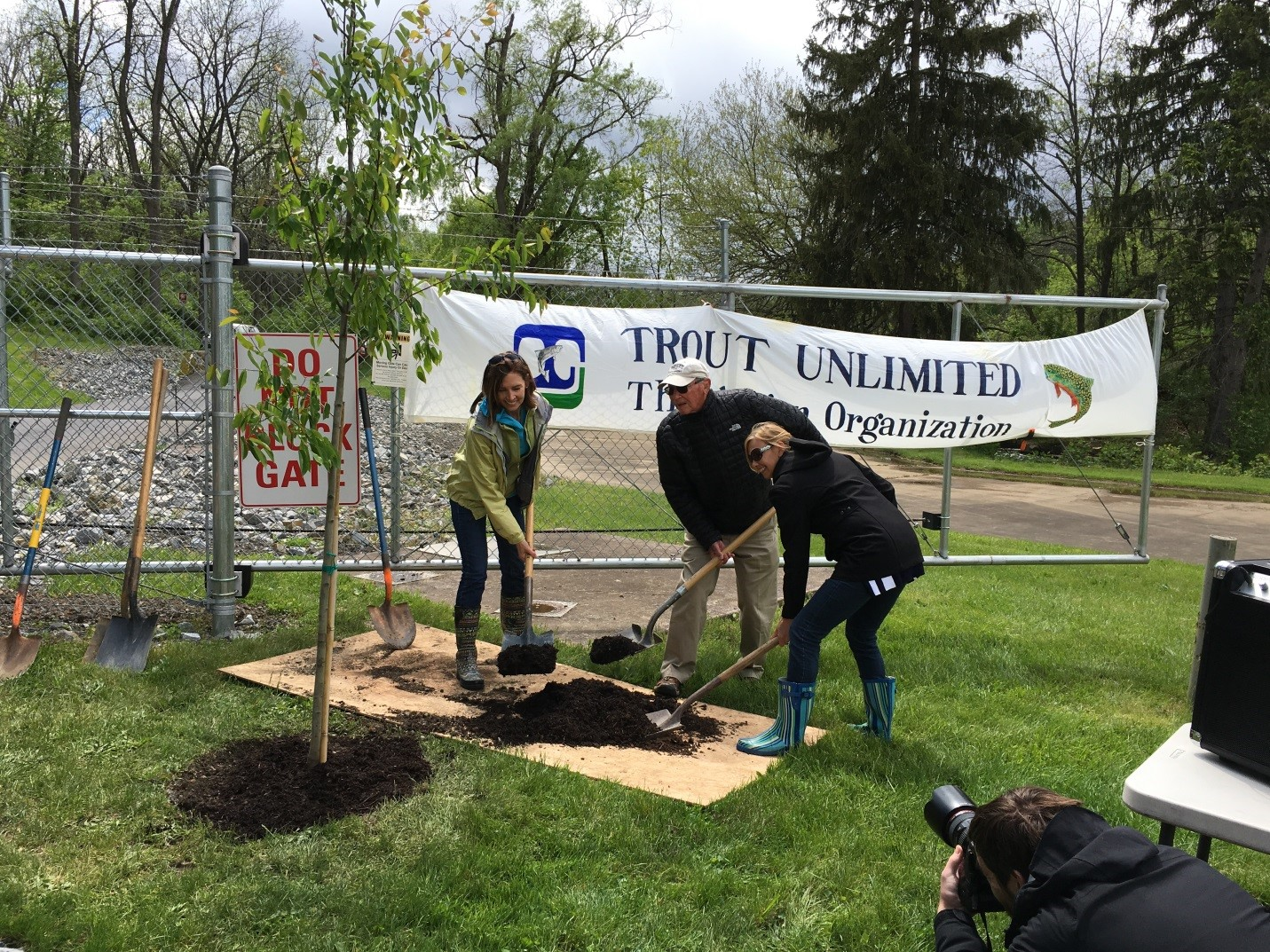 Joe Humphreys with his daughters helping to plant a commemorative tree in 2016